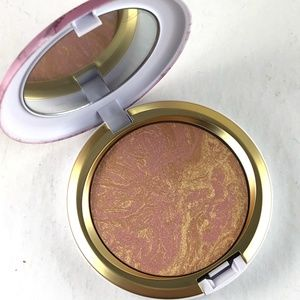 MAC Cosmetics Serenity Seeker Iridescent Powder
